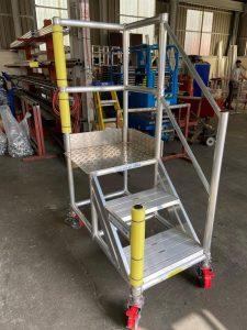 Vehicle_Side-Access_Steps_Aluminium_Bespoke